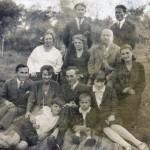 Directorul scolii din Boian, Alexie Morariu in mijlocul familiei